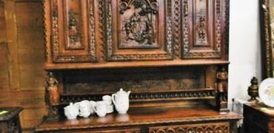 Старинная мебель в классическом стиле